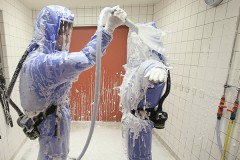 Работавший со смертельными вирусами американец приболел и загадочно исчез