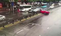 Женщина села за руль Ferrari и разбила его через пару минут