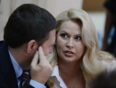 Малахов объявил о свадьбе Евгении Васильевой и Анатолия Сердюкова