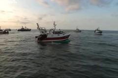 Десятки судов из Франции напали на британских рыбаков и обратили их в бегство