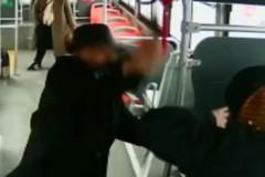Пенсионер полез в драку в ответ на просьбу показать проездной в автобусе
