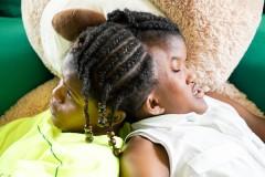 Сросшиеся головами близнецы отметили совершеннолетие вопреки прогнозам врачей