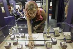 Женщина притворилась женой арабского шейха и обокрала ювелирный бутик