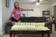 Мать пожертвовала десятки литров грудного молока после смерти дочери